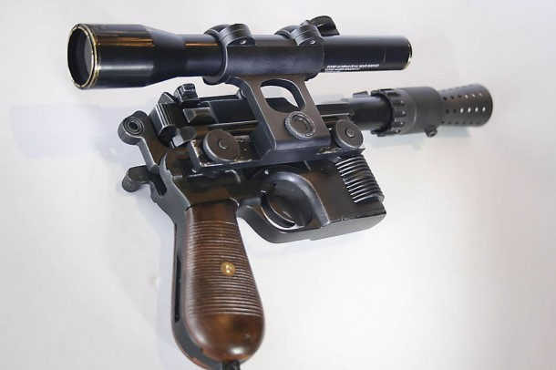 Бластер DL-44 из «Звездные войны» продан на торгах